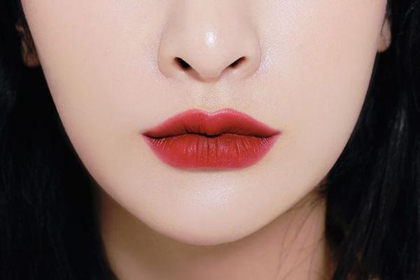 3CE Soft Lip Lacquer màu Perk Up (đỏ hồng trầm)