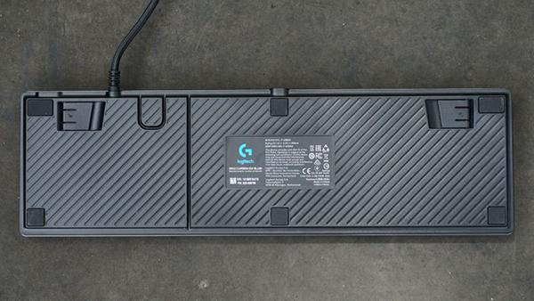ban phim co logitech g512 carbon 3