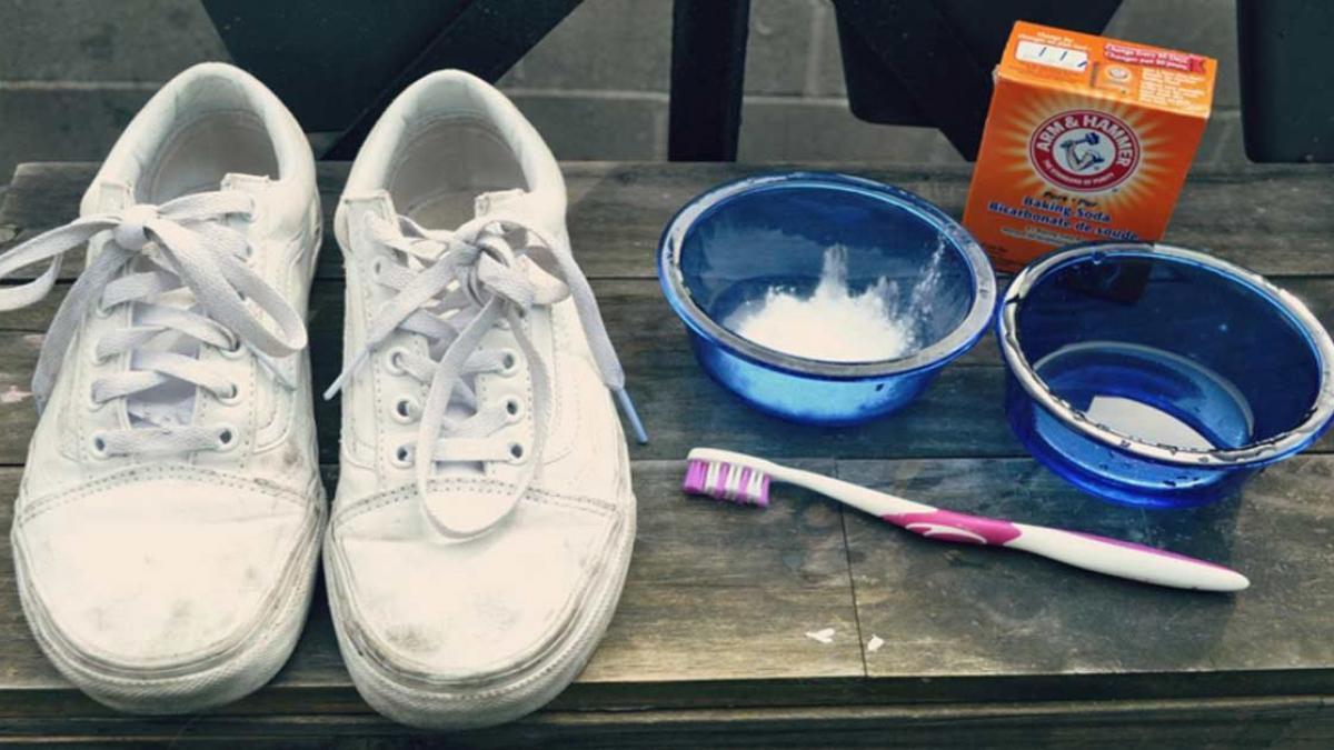 Cách giặt giày thể thao