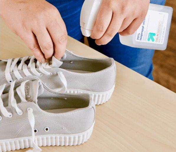 Khử mùi hôi giày bằng cách sử dụng Muối nở
