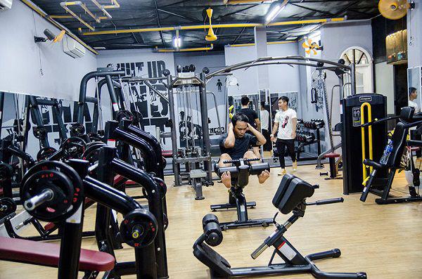 Nên mua máy tập gym, giàn tạ đa năng tại nơi uy tín