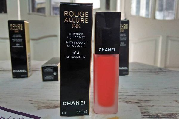 Chanel Rouge Coco Shine 402 (Cam đất)
