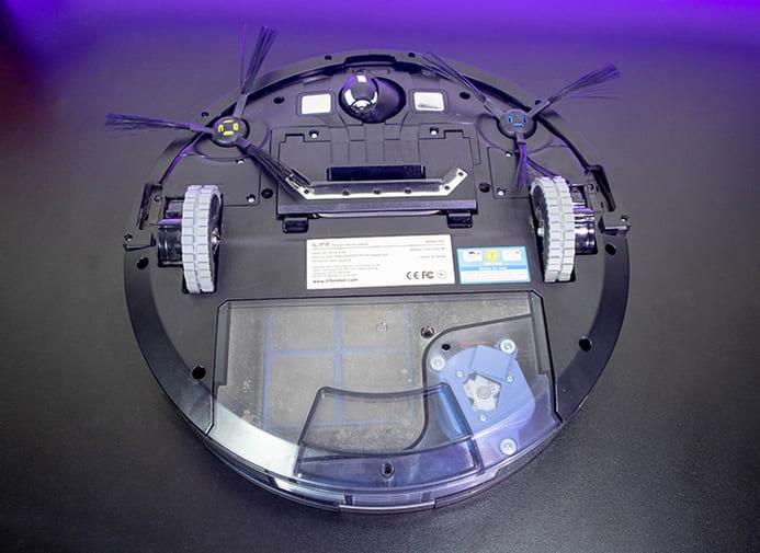 Mặt dưới robot hút bụi Ilife V8S