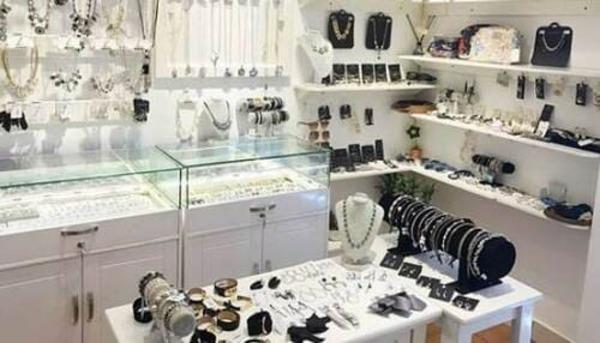 fiona-accessories