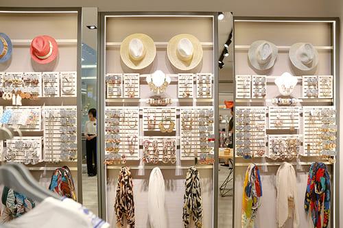 Những cửa hàng phụ kiện thời trang nữ hot tại Hà Nội