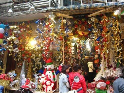 Phụ kiện trang trí Noel bao gồm những gì?